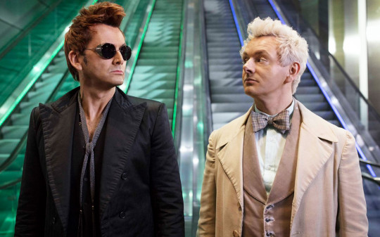 "David Tennant und Michael Sheen in ""Good Omens"" 